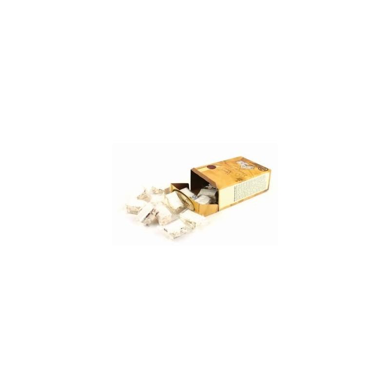 Nugat, migdałowy lub migdałowo- żurawinowy, 1 sztuka - 14 g